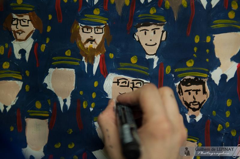 Les talents en peinture se dévoilent sur la panneau de la photo de promotion !